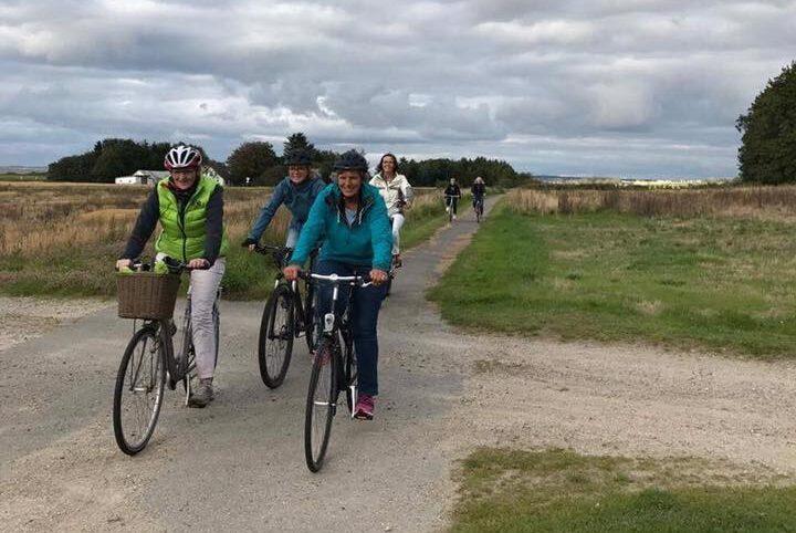 Guldgæssene på cykeltur til Halkær